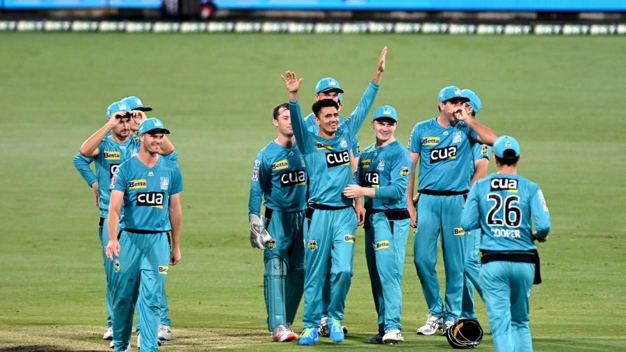 Mujeeb Ur Rahman returned the magical figures of 4-0-15-5