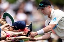 Matt Henry signs autographs for young fans, New Zealand vs Pakistan, Christchurch, 1st day, 2nd Test, January 3, 2020