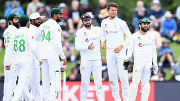 Shaheen Afridi is congratulated after getting rid of BJ Watling