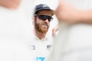 Kane Williamson speaks to his team-mates prior to play on the fourth day, New Zealand vs Pakistan, 2nd Test, Christchurch, 4th day, January 6, 2021