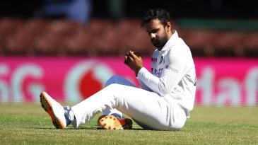 Hanuma Vihari reacts after dropping Marnus Labuschagne