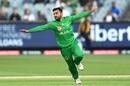 Zahir Khan celebrates after rattling the stumps, Melbourne Stars v Melbourne Renegades, BBL 2020-21, Melbourne, January 17, 2021