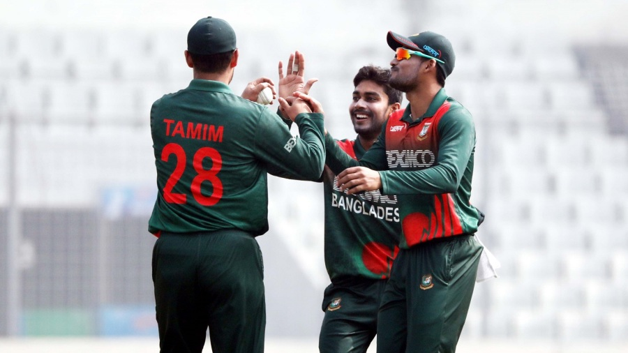 Mehidy Hasan owed his first wicket to a Tamim Iqbal catch