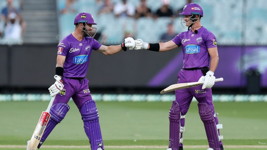 Matthew Wade and D'Arcy Short added 145 for the first wicket against Sydney Sixers