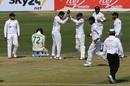 The Pakistan fielders celebrate as Rassie van der Dussen is run out, Pakistan vs South Africa, 1st Test, Karachi, 1st day, January 26, 2021