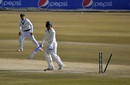Quinton de Kock fell early on the third morning, playing Shaheen Afridi on, Pakistan vs South Africa, 2nd Test, Rawalpindi, 3rd day, February 6, 2021