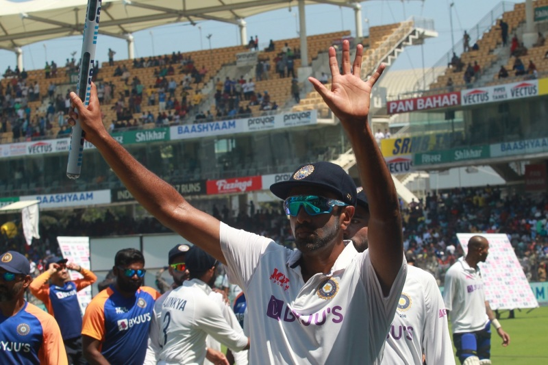 R Ashwin acknowledges the cheers from the Chennai crowd