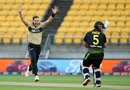 Aaron Finch survive a very close shout for lbw first ball, New Zealand vs Australia, 3rd T20I, Wellington, March 3, 2021