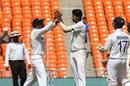 Virat Kohli and Washington Sundar celebrate the dismissal of Ben Stokes, India vs England, 4th Test, Ahmedabad, 1st Day, March 4, 2021