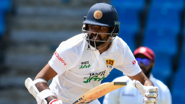 Lahiru Thirimanne sets off for a run on the way to reaching a half-century