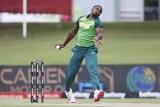 Lutho Sipamla bowls, South Africa vs Pakistan, 3rd ODI, Centurion, April 7, 2021