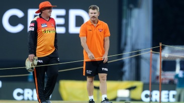 Trevor Bayliss and David Warner have a chat ahead of the match