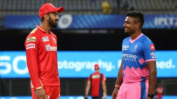 KL Rahul and Sanju Samson have a chat ahead of the toss