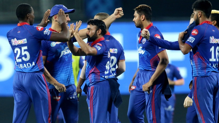 Amit Mishra nabbed two wickets in one over to hurt the Mumbai Indians