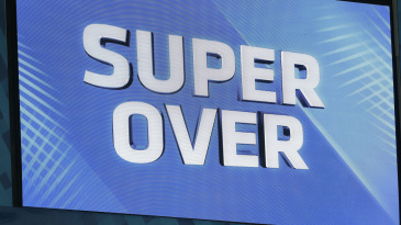 Mumbai Indians and Kings XI Punjab head into the Super Over after tying the match