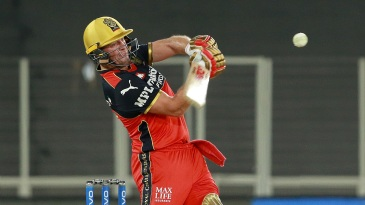 AB de Villiers hit three sixes in the final over, bowled by Marcus Stoinis