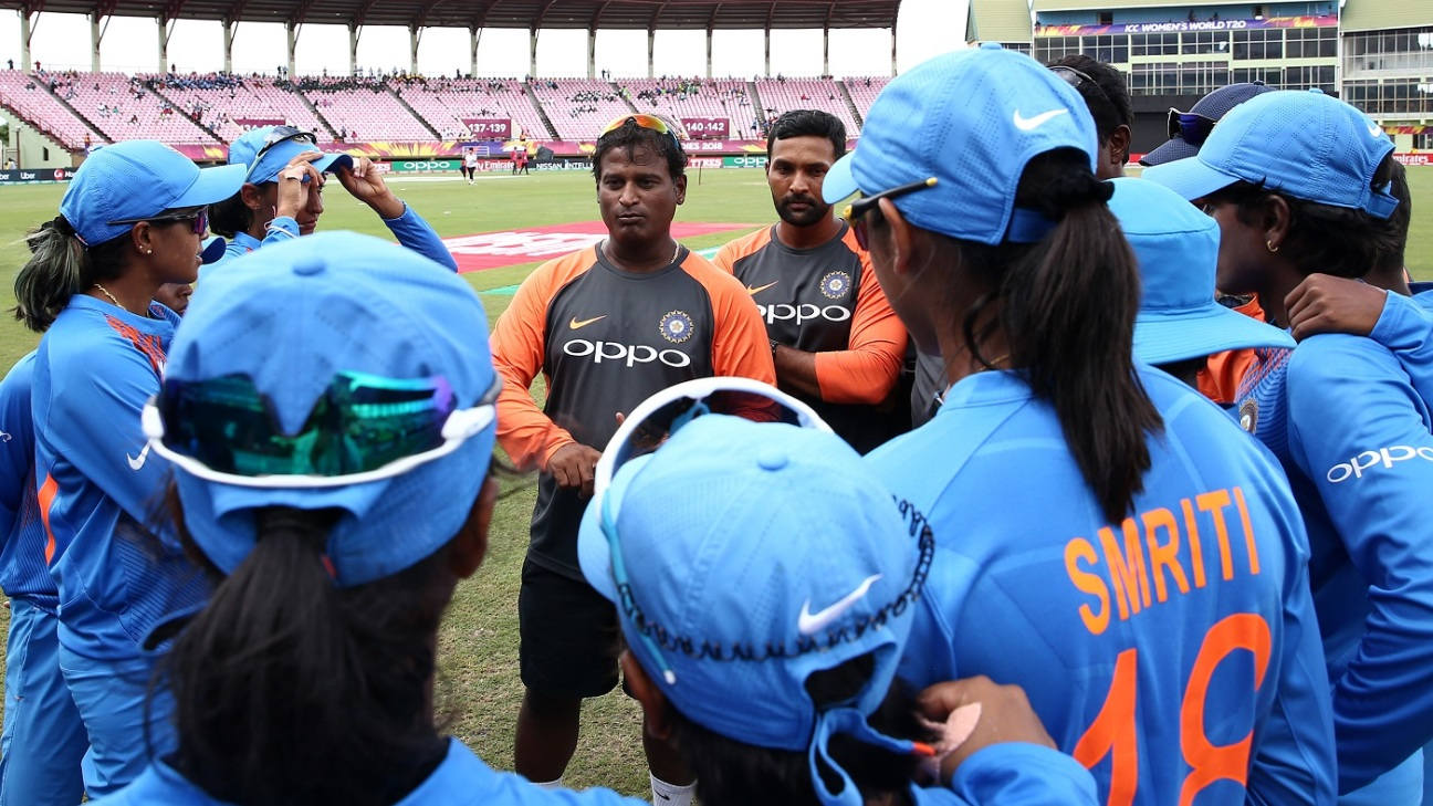 Ramesh Powar speaks to the India Women players