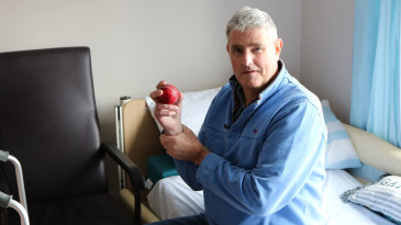 The former Kent and England seamer Alan Igglesden was diagnosed with a brain tumour in 1999
