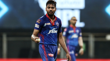 Avesh Khan gets ready to bowl
