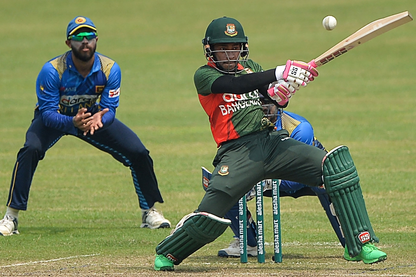 Mushfiqur Rahim profile and biography, stats, records, averages, photos and videos