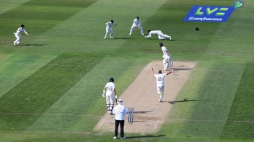 Tom Blundell catches Dan Lawrence off Neil Wagner