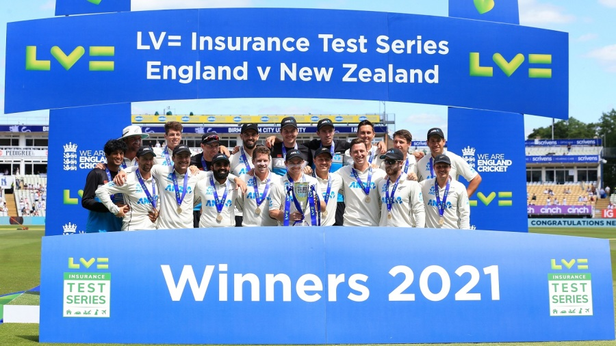 New Zealand players with the trophy after clinching the series against England