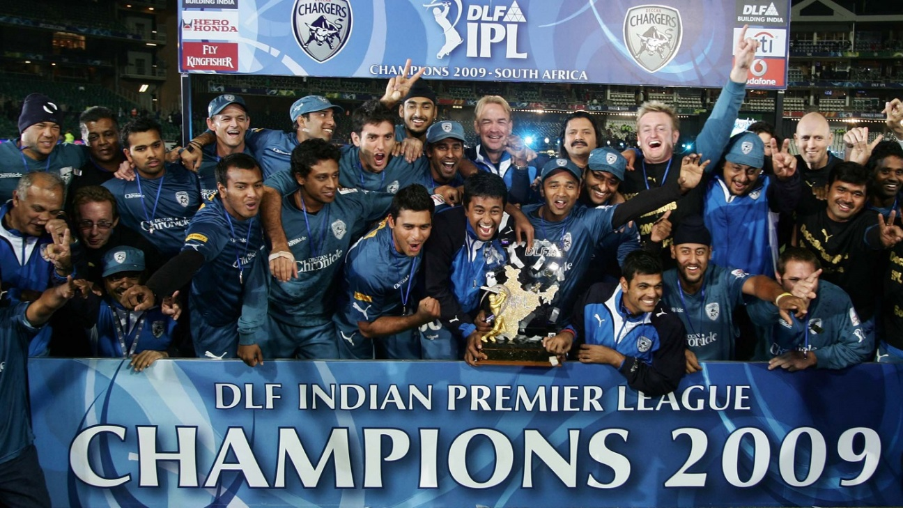 Deccan Chargers lift the IPL 2009 trophy