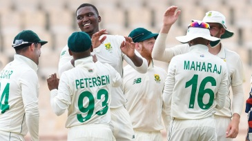 Lungi Ngidi celebrates with his team-mates