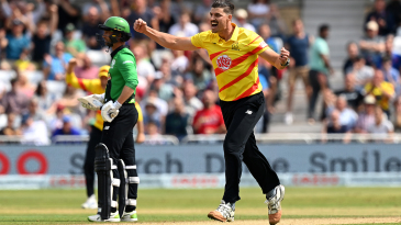 Marchant de Lange ripped through the middle order