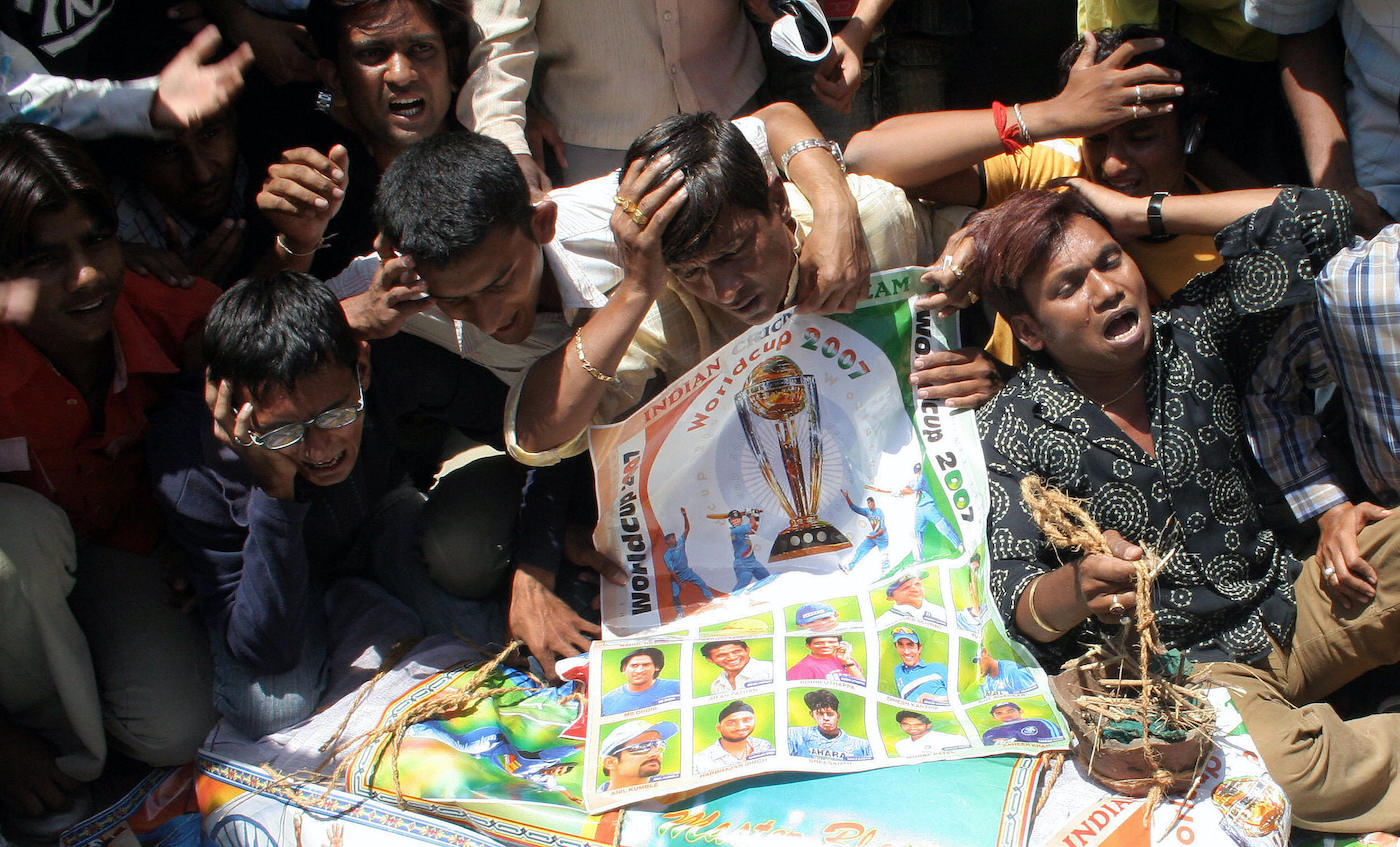 Fans in Ahmedabad held a mock funeral for the death of Indian cricket in 2007