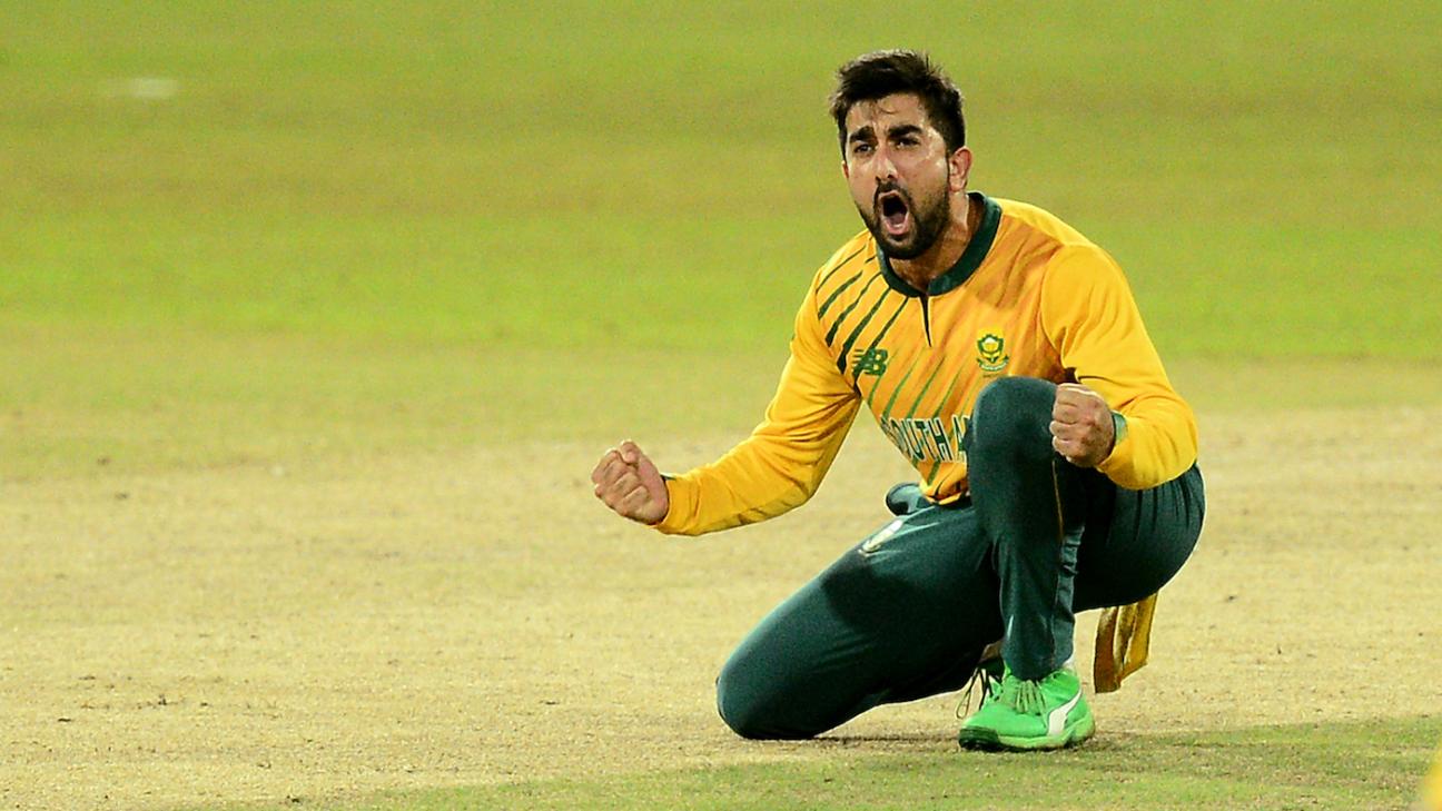 Tabraiz Shamsi celebrates the wicket of Dasun Shanaka