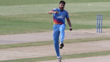 Avesh Khan celebrates after dismissing Hardik Pandya