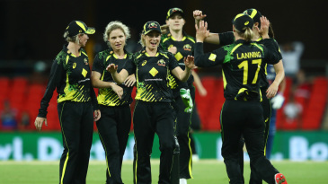 Nicola Carey celebrates a wicket with her team-mates
