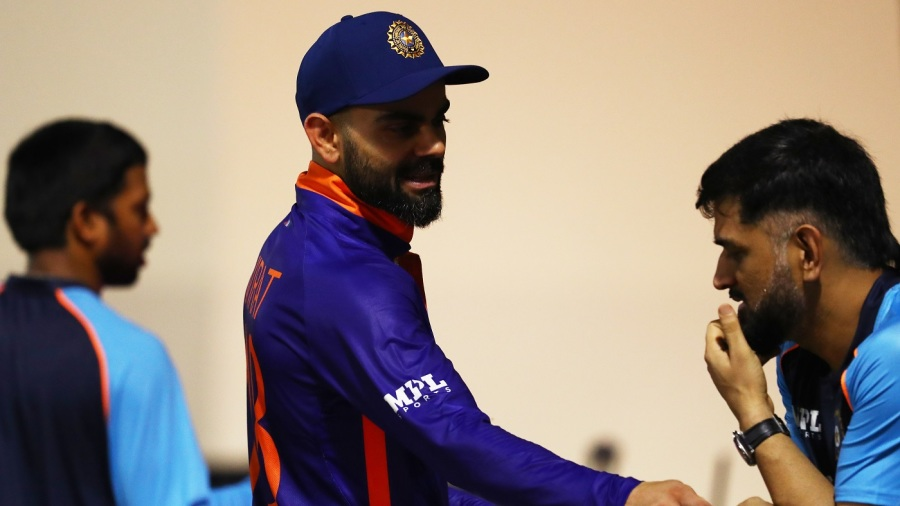 Virat Kohli has a chat with India's mentor MS Dhoni