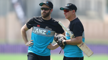 Kane Williamson and Gary Stead chat during warm-ups