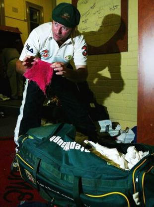 Steve Waugh packed his kit, and put away that red rag forever, Australia v India, 4th Test, Sydney, 5th day, January 6, 2004