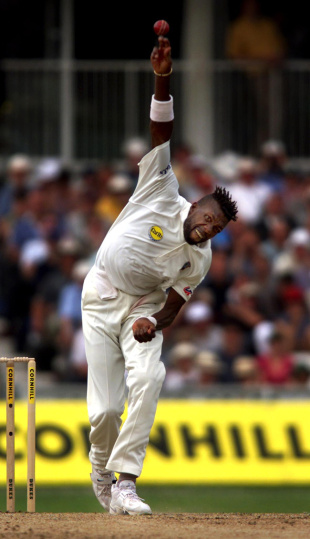 Curtly Ambrose bowls during the first session, England v West Indies, 5th Test, The Oval, 1st day, August 31, 2000