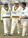 Yashpal Sharma (r) with Azmat Rana (c)and Mansoor Akhtar (l), Indian Veterans v Pakistan Veterans, December 21, 2003