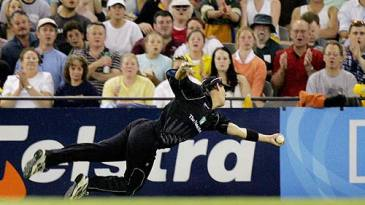 Mathew Sinclair pulled off a sensational catch to dismiss Matthew Hayden at Melbourne