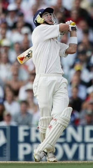 Kevin Pietersen launches one of two sixes off Brett Lee, England v Australia, 5th Test, The Oval, September 12, 2005