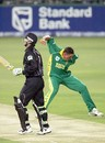 Andre Nel celebrates the wicket of Nathan Astle, South Africa v New Zealand, 2020 international, Johannesburg, October 21 2005