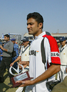 Anil Kumble with the Man-of-the-Match award, India v Sri Lanka, 2nd Test, Delhi, December 14, 2005