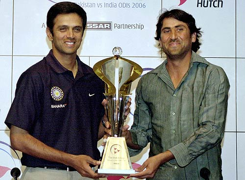Rahul Dravid and Younis Khan hold the ODI series trophy at the launch ceremony , India in Pakistan 2005-06