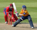 Jim Troughton keeps a close eye on the ball, Somerset v Warwickshire, Twenty20 Cup, Taunton, July 2, 2006