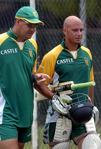 65010 - Herschelle Gibbs to play for Perth