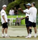 Ian Frazer, Rahul Dravid and Greg Chappell find reason to laugh amid the gloom, Colombo, August 16, 2006