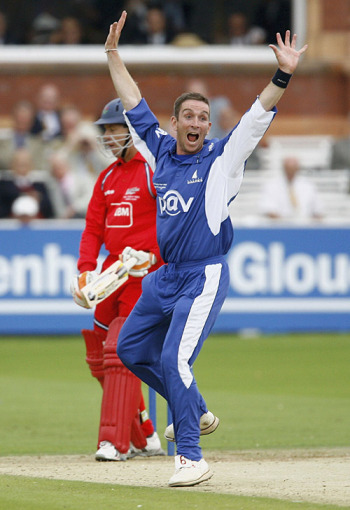 James Kirtley rips out another wicket, Lancashire v Sussex, C&G Trophy Final, Lord's, August 26, 2006