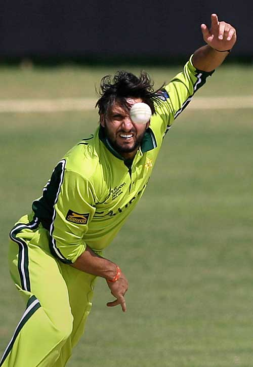 Shahid Afridi spins out a legbreak