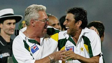 Bob Woolmer and Younis Khan can't contain their joy after Pakistan's victory