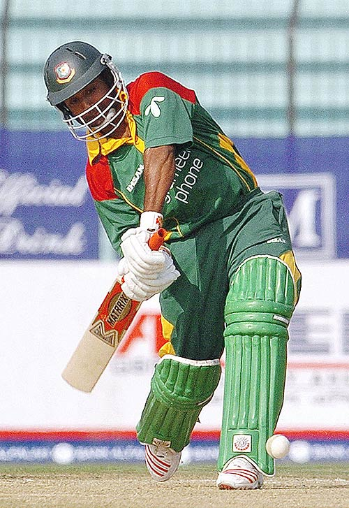 Aftab Ahmed hits out in Bangladesh's first Twenty20 international